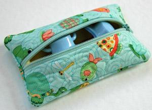 in the hoop zipper pouch